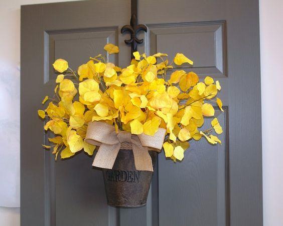 What an interesting idea!-ajc☕️ Fall wreath fall wreaths autumn wreath Thanksgiving by aniamelisa
