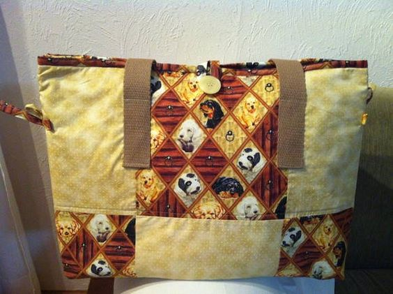 Bolsa em patchwork com muito espaço interno, pode ser feita em diversas cores