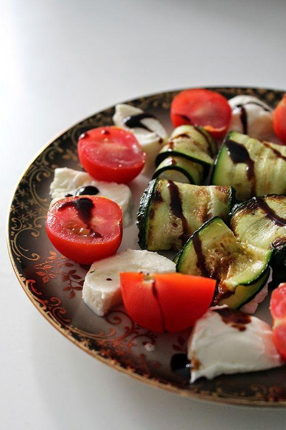 Zucchini-Ziegenkäse-Röllchen / zucchini rolls with goat cheese