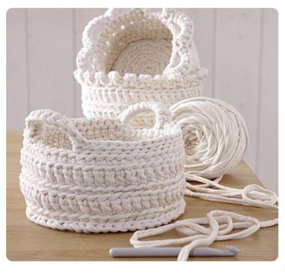 Bom dia  #detalhes #crochet #crochê #cestosparaorganizar #fiodemalha #handmade #feitoamão #decor #inspiration #bomdia #homedecorinspiration #artesanal #detalhes #moderno #criativo