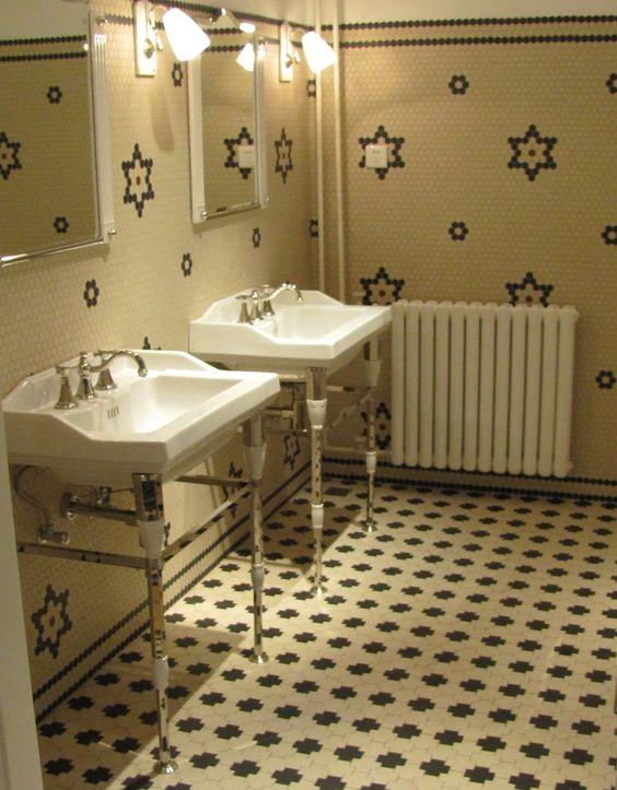 Klassieke badkamer hexagon tegels in 3 maten verkrijgbaar mozaiek utrecht pinterest art - Deco witte tegel ...