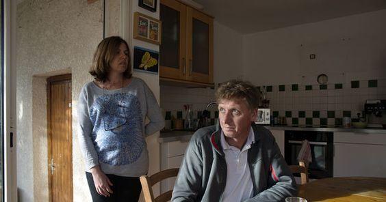 """""""Parents à perpétuité"""" par Isabelle Monin // Leur fils a été condamné à la perpétuité pour le viol et le meurtre d'Agnès, 13 ans. Après trois années de silence, ils confient leur honte et leur douleur."""