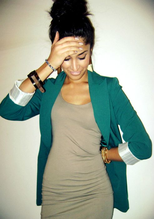 neutral dress...bright blazer...super cute outfit! N I would die to be that skinny!