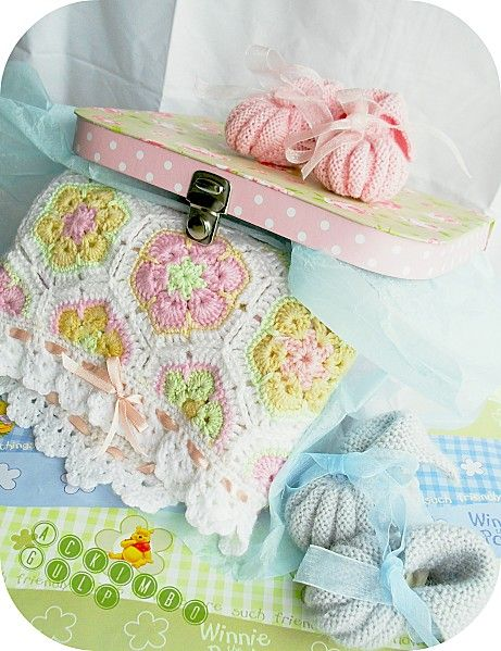 Baby blanket African Flowers and Baby shoes  Easy to make with 4 colors only