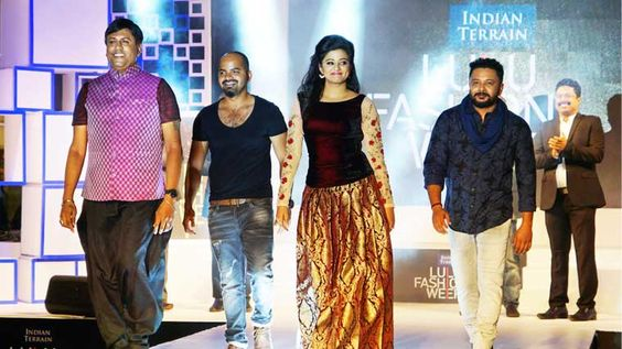 @_SleauxMeaux : RT @sensationslife: Lulu fashion week concludes with colourful show !!  See more https://t.co/pIOxHiFxb6  #Lulu #FashionWeek #Kochi https://t.co/xtRYc7oW0F