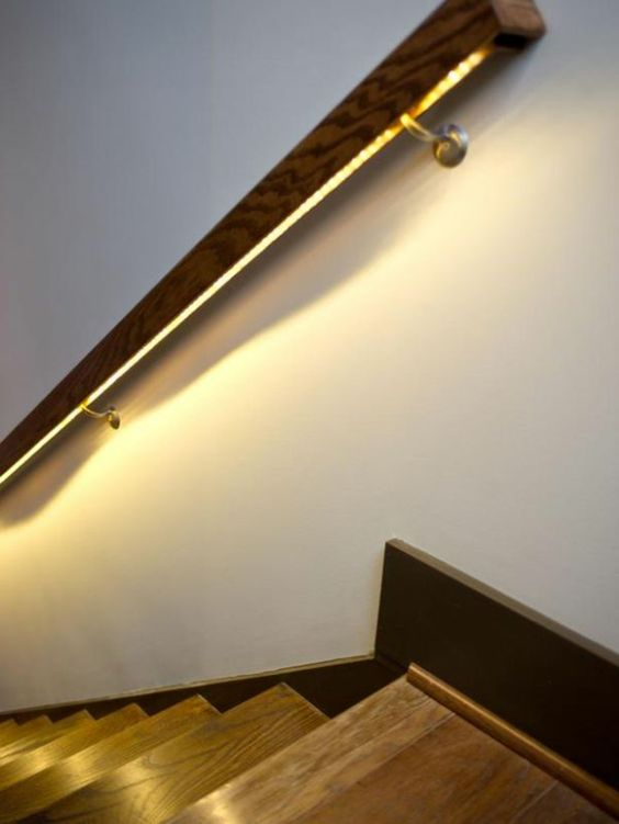 Beleuchtung Treppenhaus lässt die Treppe unglaublich schön erscheinen