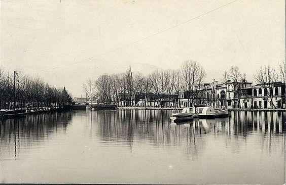 Otra foto de la laguna que hubo en el Parque Forestal. 1906. Aporte de @alb0black. Stgo adicto.