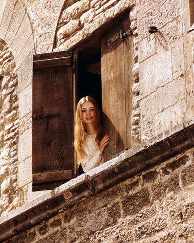 "Judi Bowker - Claire in Zeffirelli's ""Brother sun, sister moon"""