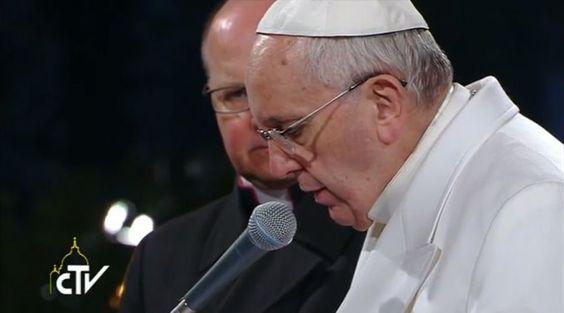 El Papa Francisco en el Via Crucis del Viernes Santo. Captura Youtube CTV