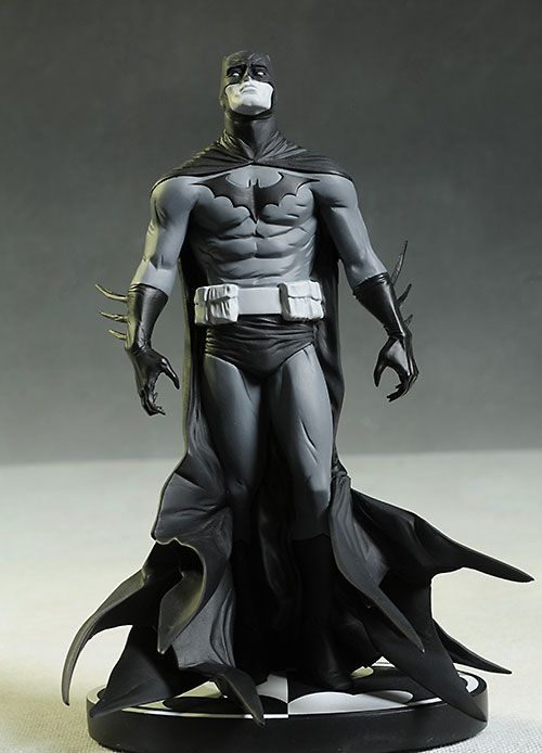 Batman Black & White statue - Jae Lee by DC Collectibles