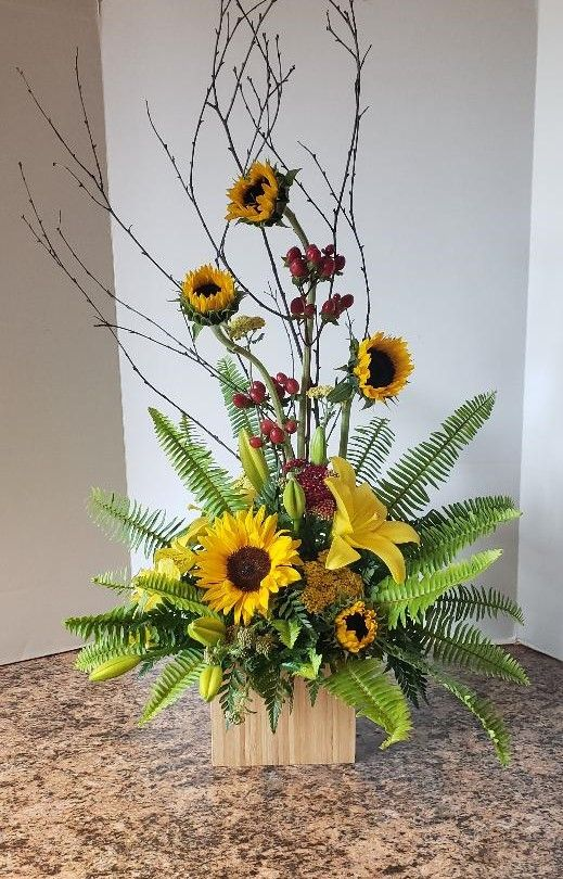 Pin By Zaiser S Florist Greenhouse On Sympathy Flowers Fresh Flowers Arrangements Sunflower Arrangements Fall Flower Arrangements