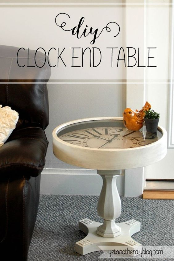 Must pin! Clock end table with a clock that actually works!