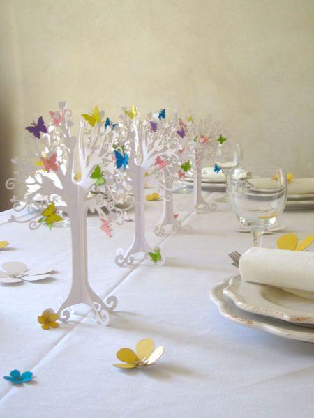 Tischedekoration Baum mit Schmertterlingen // table decoration tree with butterflies via DaWanda.com