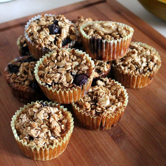 Individual Baked Oatmeal by thekitcheniscalling: Perfect for school days! #Oatmeal #Kids #thekitcheniscalling: Individual Baked, Oatmeal Breakfast, Kids Thekitcheniscalling, Individual Oatmeal, Baked Oatmeal Muffins, Oatmeal Cups, Oatmeal Kids, Oatmeal Recipes