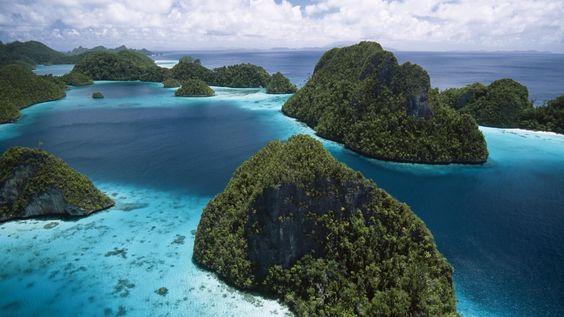 Raja_Empat_Island_Group_Indonesia
