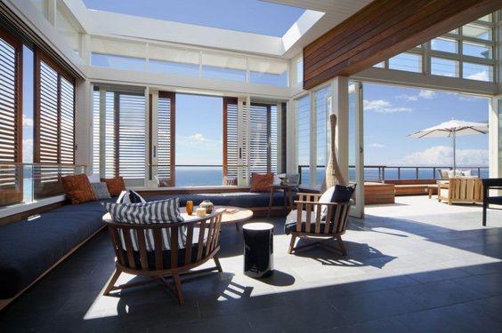 + Design de interiores :     Desenvolvido pela Pike Withers Interior Architecture, a residência esta localizada em New South Wales (Australia).