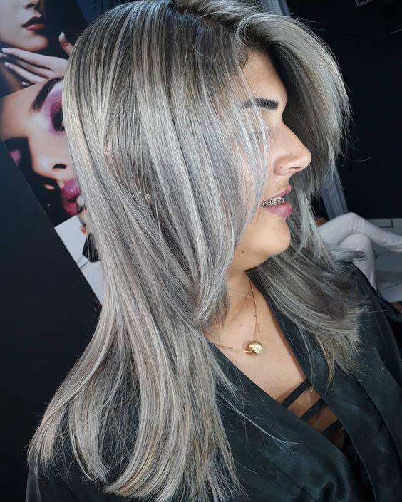 cabelo com luzes platinadas inspiração