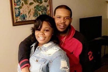 Prosecutors To Drop Charges Against Boyfriend Of Breonna Taylor In 2020 Taylor Boyfriend Police Chief Black Lives