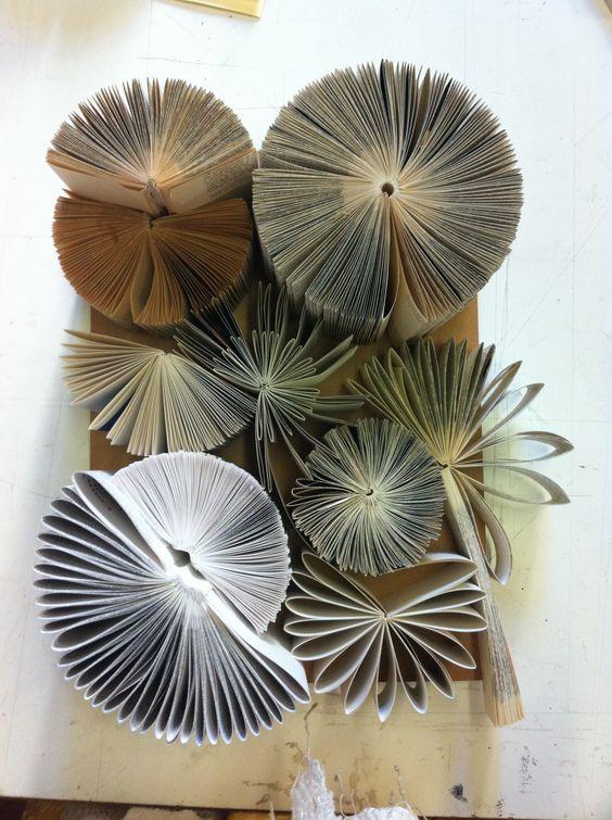 Quadro sculture di carta arredi e oggetti in carta e for Arredi di cartone
