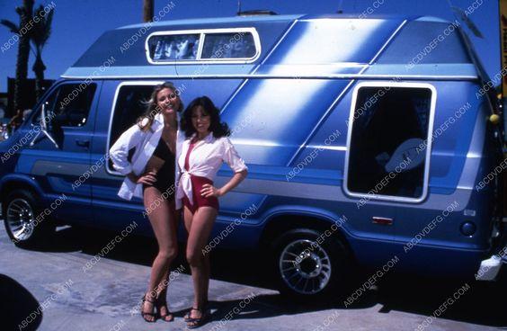 Priscilla Barnes Debra Clinger groovy van TV American Girls 35m-10261