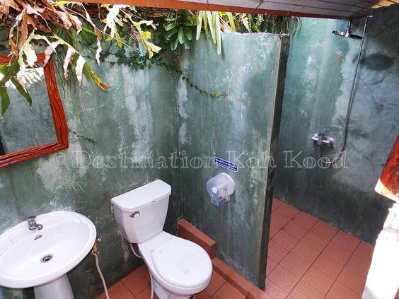 Open-air bathroom of a Horizon Bungalow @ Horizon Resort Koh Kood, Thailand