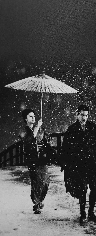 雪降る中の菅原文太