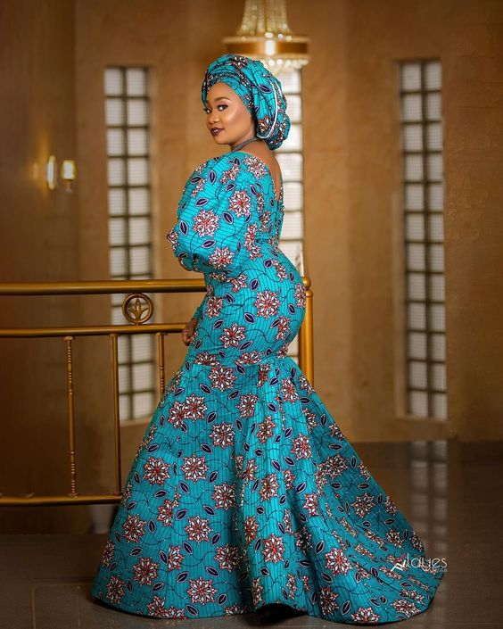 Ankara vibes 👗 @holarasignature  #bellanaijaweddings  #ankaradresses  #nigerianweddings