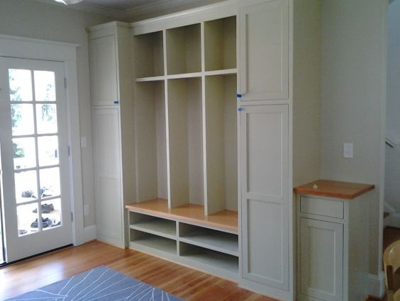 storage-cabinet-with-doors-and-shelves-640x483.jpg (640×483)