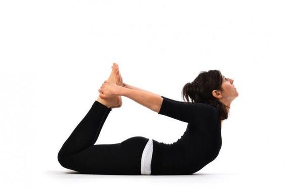 5 Posturas De Yoga Para Una Panza Chata Mujercountry Biz Posturas De Yoga Tipos De Yoga Hernias De Disco