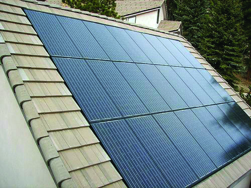 Conveniences And Drawbacks Of Solar Roof Tiles That You Need To Understand About Homes Tre Solar Panels Solar Panel Shingles Solar Energy Panels