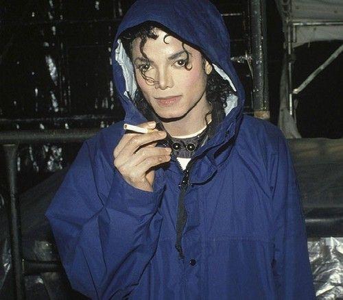 Michael Jackson smoking