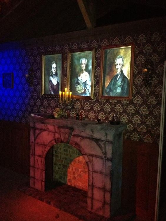 Mansions cas and the o 39 jays on pinterest for Haunted house scene ideas