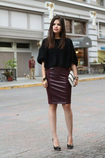 Bordeaux leather skirt outfit!
