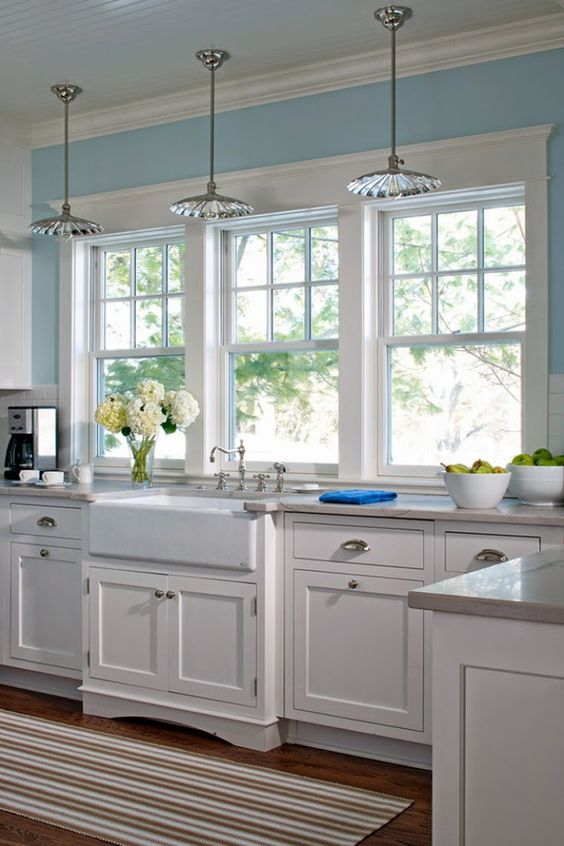 10 Kitchen And Home Decor Items Every 20 Something Needs: 50 Ultimate Farmhouse Style Kitchens For Cooking And