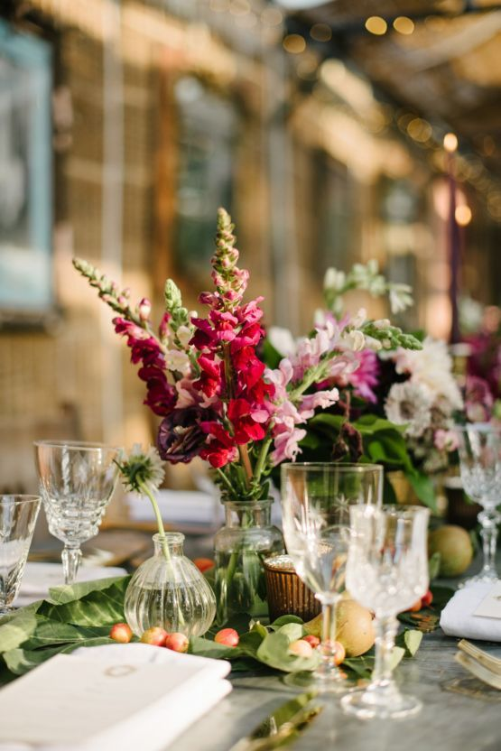 This English Garden Wedding Is A Floral Loving Bride S Fantasy English Garden Wedding Theme Wedding Table Decorations English Garden Wedding