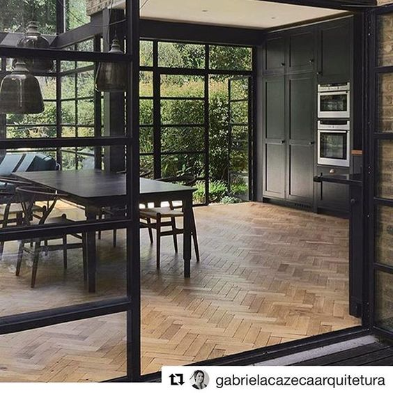 Mais um ambiente com piso de madeira. Escolha sempre madeira certificada! . Repost de @gabrielacazecaarquitetura . #greentopiabr #sustentabilidade #woodfloor #pisodemadeira #madeiracertificada #arquiteturasustentavel #arquitetura #homedecor #interiores #instaarq #instadecor #sustainabledesign #sustainablearchitecture