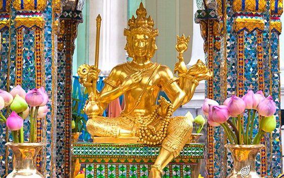 Thỉnh Tứ Diện Thần (Phật Bốn Mặt) hỗ trợ tài lộc, bình an, hộ mệnh Thái Lan. Hàng năm hàng nghìn doanh nhân giàu có sang Thái Lan du lịch và thỉnh. Xem