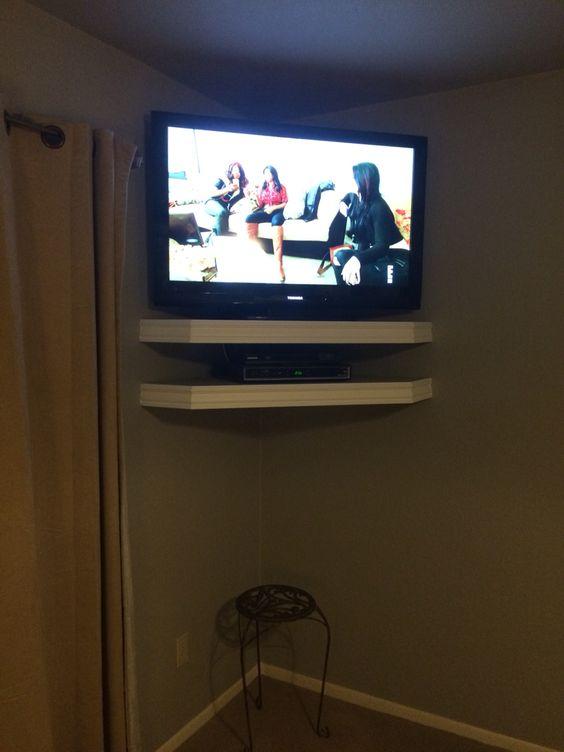 Floating corner TV shelves
