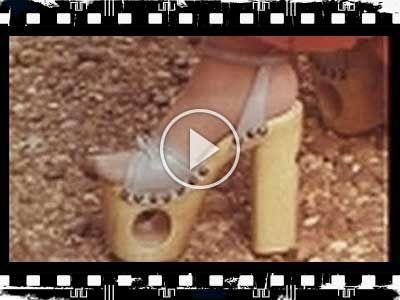 【Movie】1970年代のプラットフォームシューズ | 靴からはじまるスタイルWEBマガジン ShoeCream (シュークリーム)