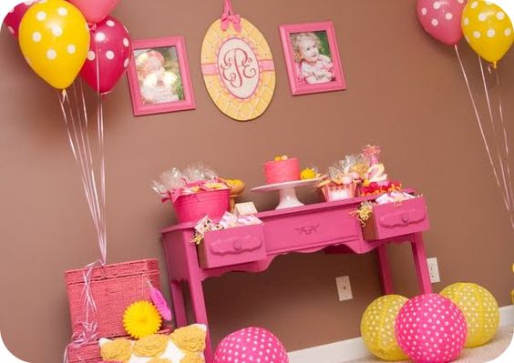 Darling decor for parties!!!  Polka-dot everything1
