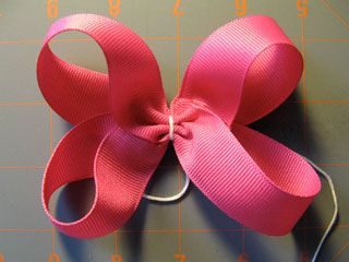 One of my favorite hair bow tutorial sites.  Awesome step-by-step videos.
