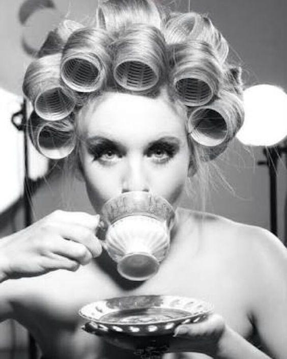 Bom dia!! Hoje está super corrido responderei as mensagens à partir das 19h  #brecho #moda #modasustentavel #modafeminina #vintage #brechoonline #brechosp #garimpo #brechoveneza