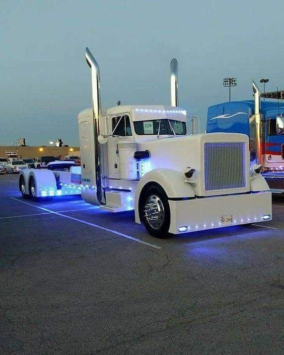 Custom Gmc Trucks Customtrucks With Images Big Trucks Custom