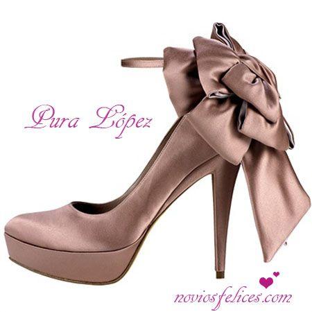 Resultados de la Búsqueda de imágenes de Google de http://www.noviosfelices.com/pura-lopez-zapatos-fiesta/zapatos-fiesta-boda-pura-lopez-2.jpg