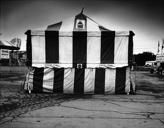 Ilya Askinazi : 'A Pointed View'(Photography)