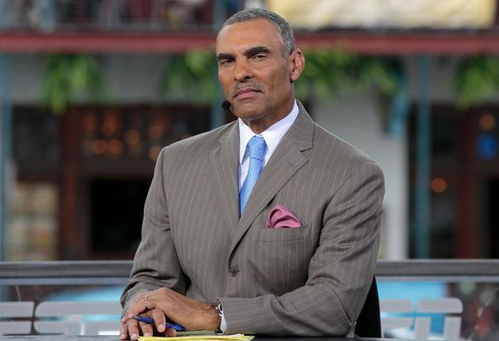 The Overhead Compartment With ESPN's Herman Edwards - Pursuitist