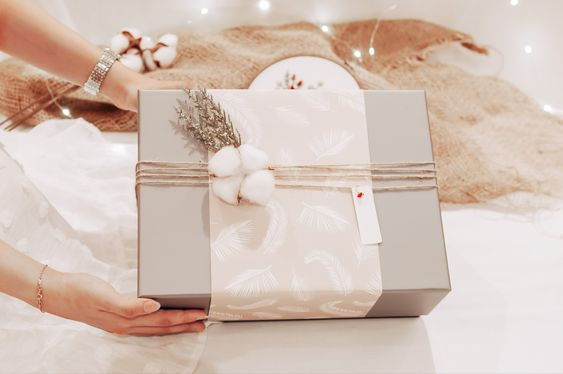 Winter Gift Box هدايا الشتاء Gifts Gift Wrapping Wrap