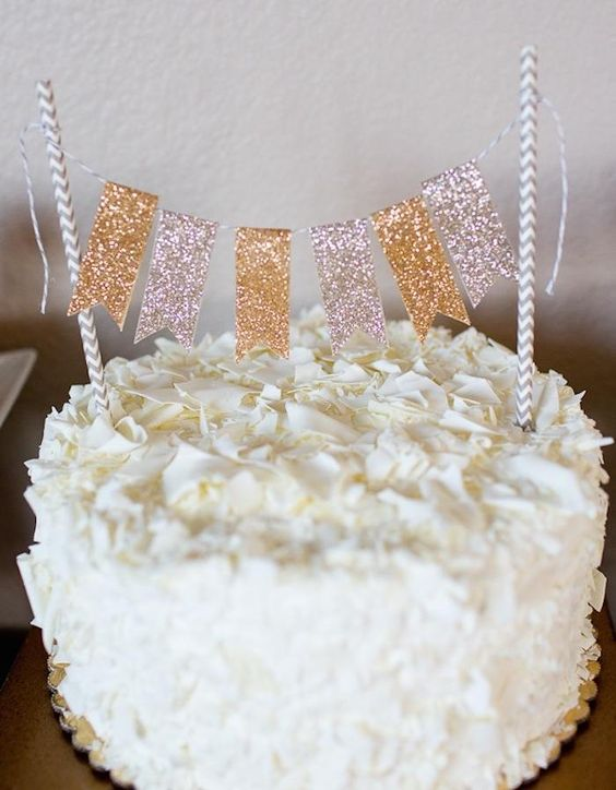 Easy + pretty cake topper! Glitter gold birthday party via Kara's Party Ideas KarasPartyIdeas.com #glitter