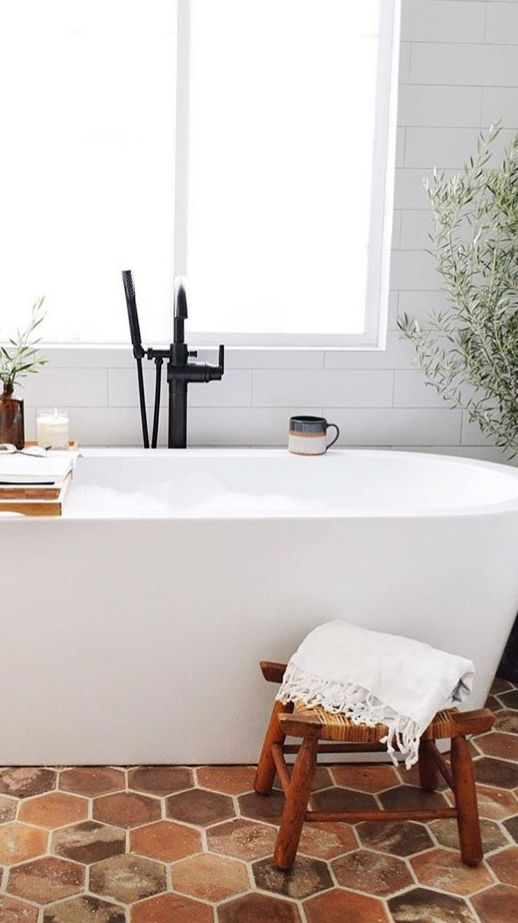 Classic Bathroom Terracotta Floor And All White Classic Bathroom Bathroom Interior Design White Bathroom Interior