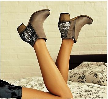Sparkly heel Zenobia Steve Maddens give me. Gimme right now.